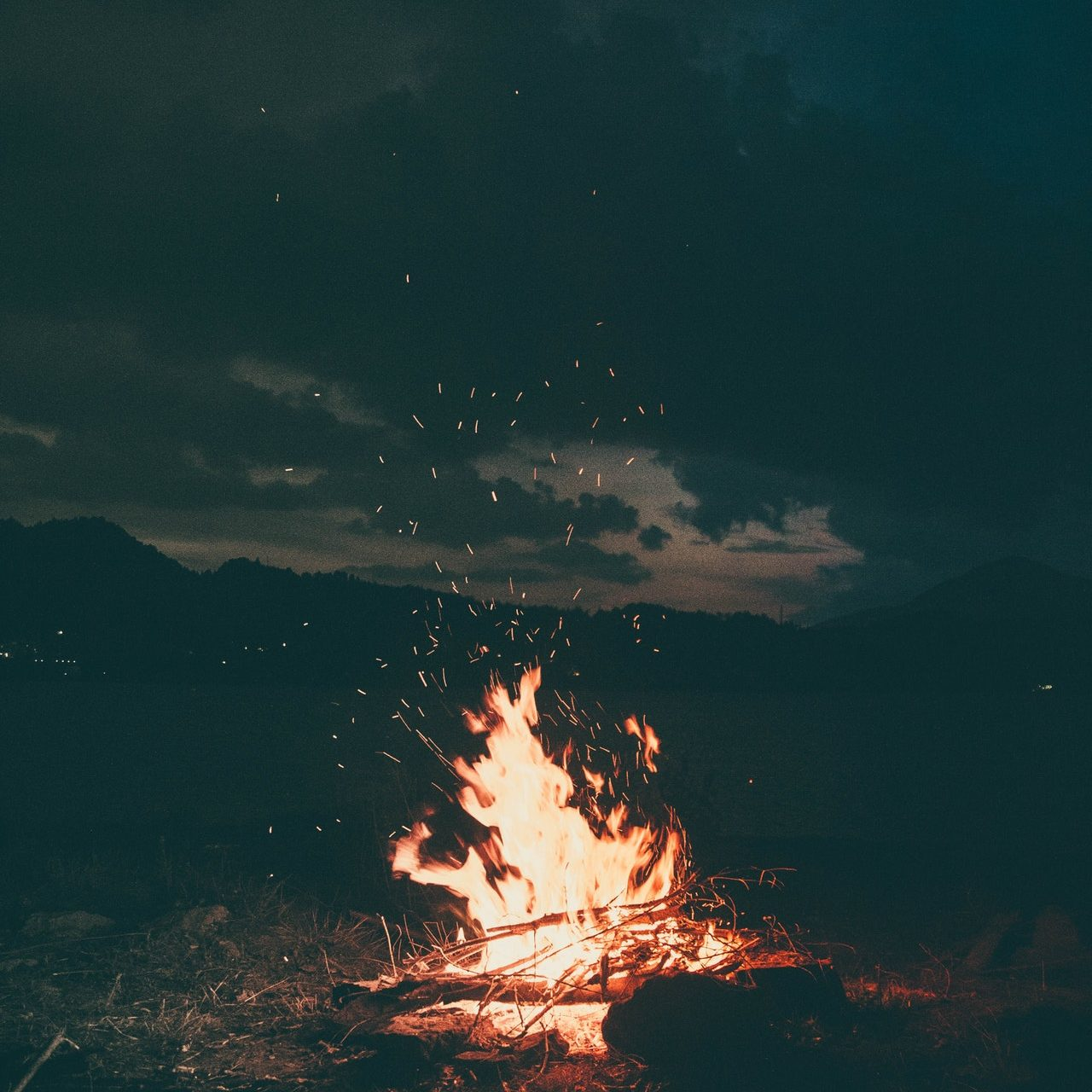 bonfire-burning-camp-campfire-1368382